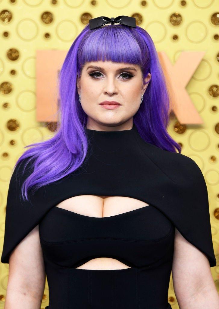 kelly osbourne arrives at the 2019 emmy awards