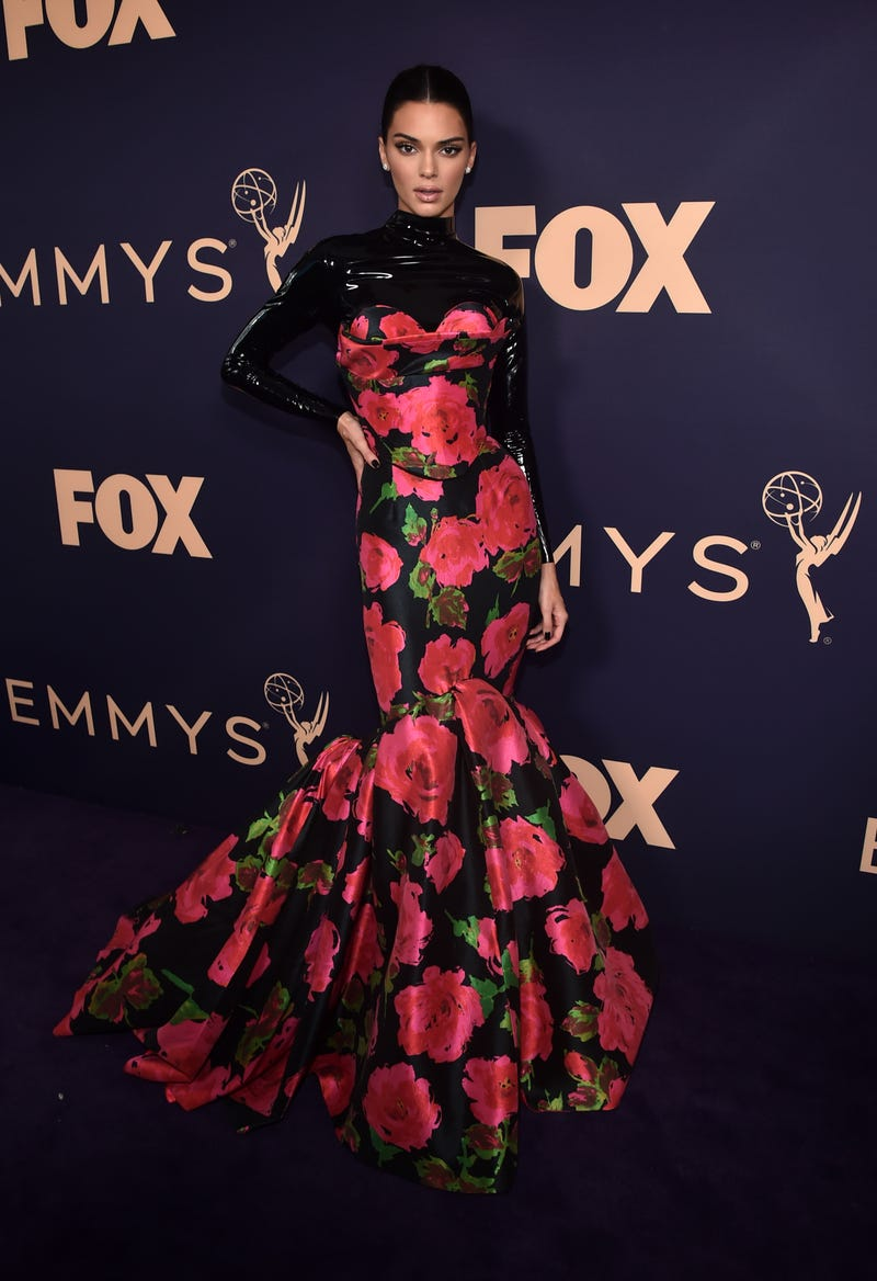 kendall jenner shows up in floral latex outfit at the 2019 emmy awards