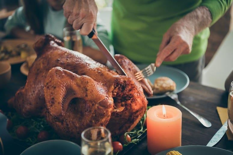 Grandfather, Turkey, Thanksgiving, Cutting Turkey