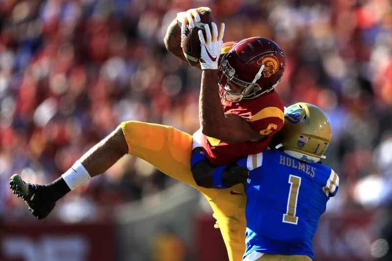 USC's Michael Pittman Jr. catches a ball in traffic