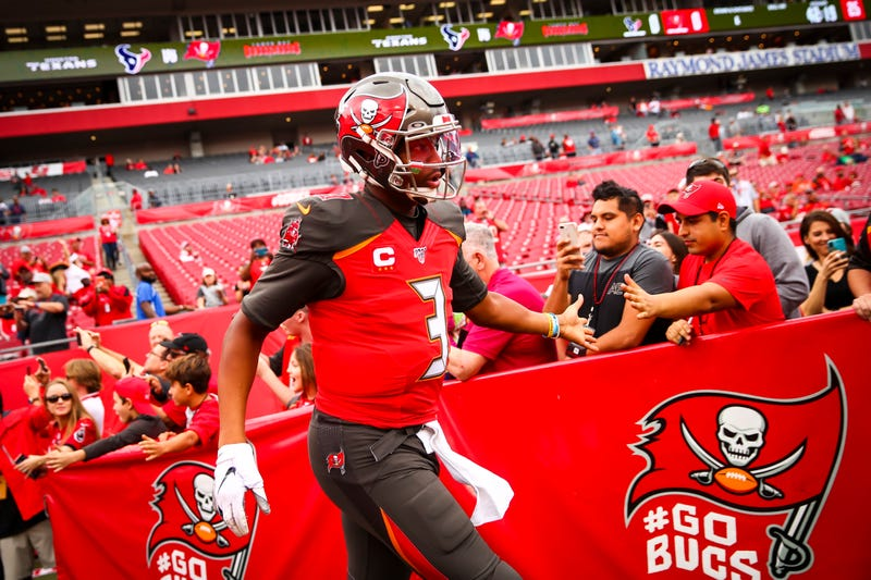 Jameis Winston showing Bucs fans some love