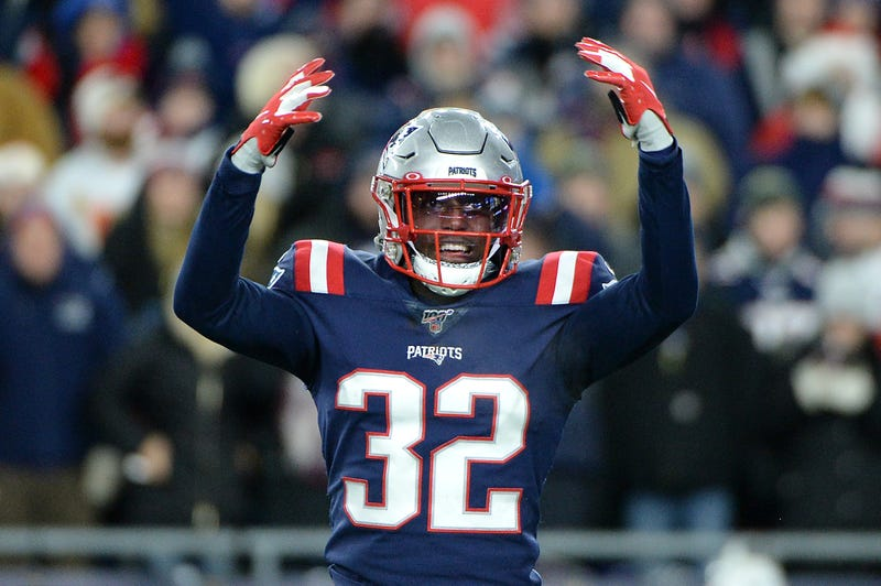 Patriots S Devin McCourty gets the crowd fired up at Gillette Stadium