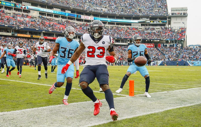 Houston's Carlos Hyde tacks on six points