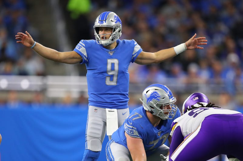 Matthew Stafford commands the huddle against the division-rival Vikings