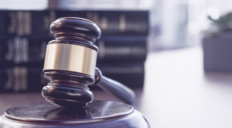 Judge rescinds order that barred unvaccinated mother from seeing son