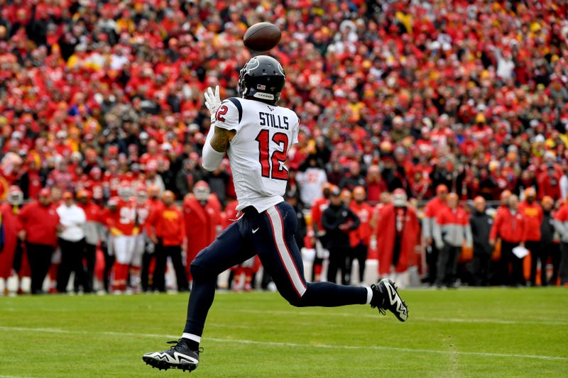 Kenny Stills corralling a deep bomb from quarterback Deshaun Watson