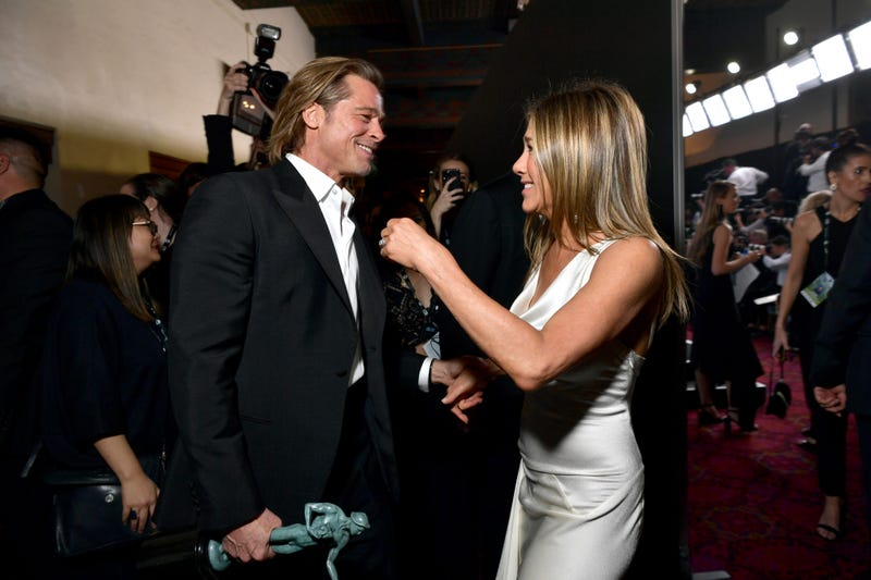 brad pitt and jennifer aniston reunite backstage at 2020 sag awards