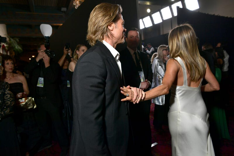 brad pitt and jennifer aniston reunite backstage at the sag awards
