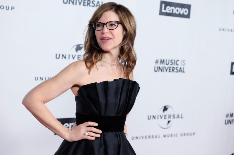 lisa loeb at universal after party