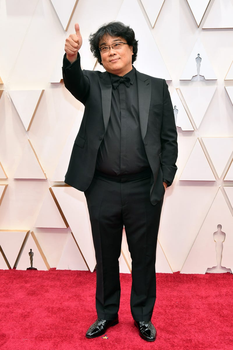 parasite director bong joon-ho at 2020 oscars