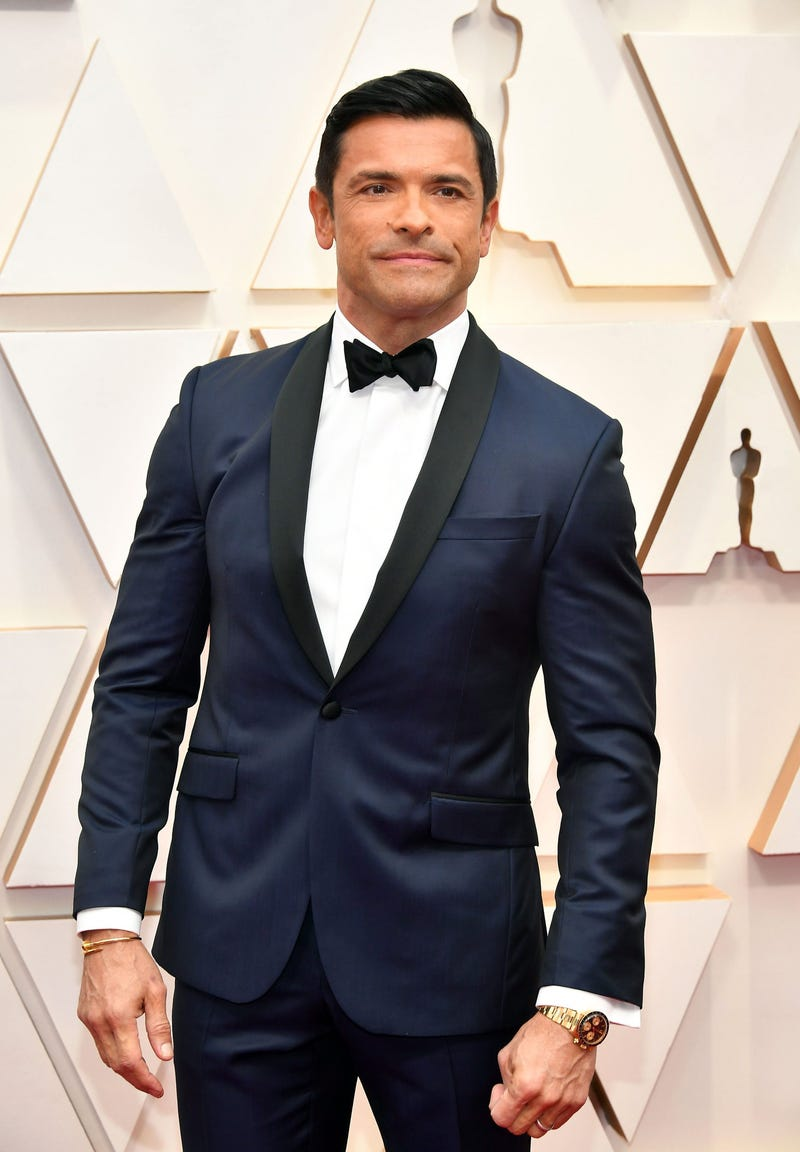 mark consuelos at 2020 oscars