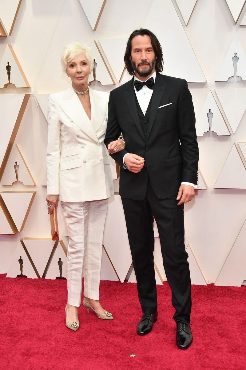 keanu reeves and his mother patricia taylor at the 2020 oscars