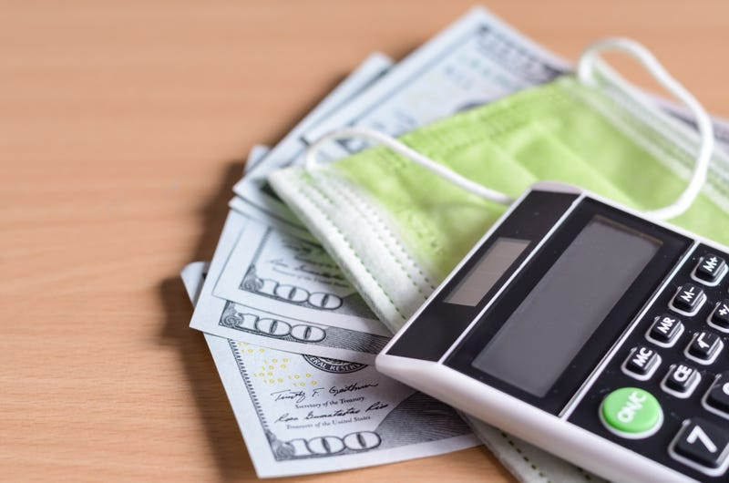 mascarilla, dinero, calculadora