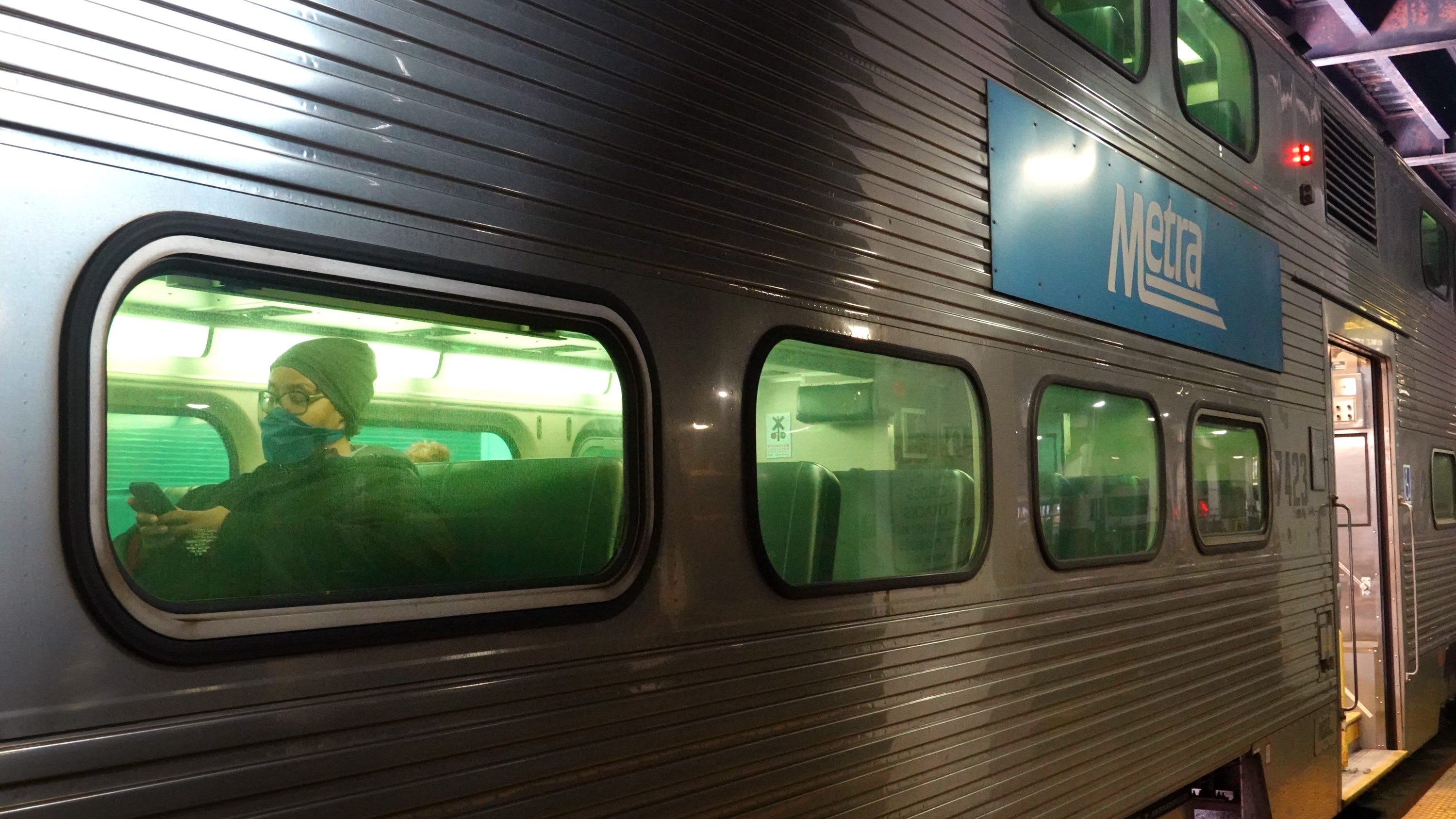 Naperville considers eliminating quarterly parking permits at Metra stations