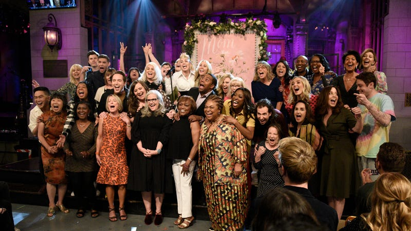 The Cast of SNL and musical guest Miley Cyrus with their mothers