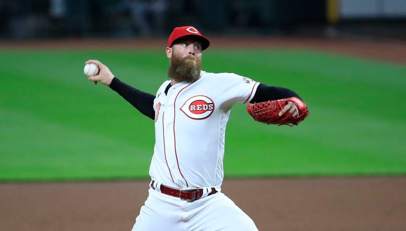 Archie Bradley #23 of the Cincinnati Reds throws a pitch against the Pittsburgh Pirates
