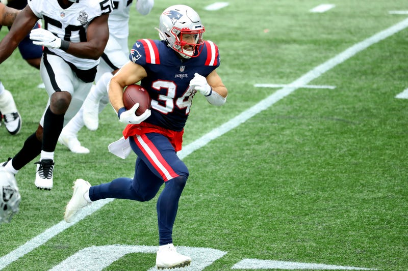 Rex Burkhead breaks loose for a big gain