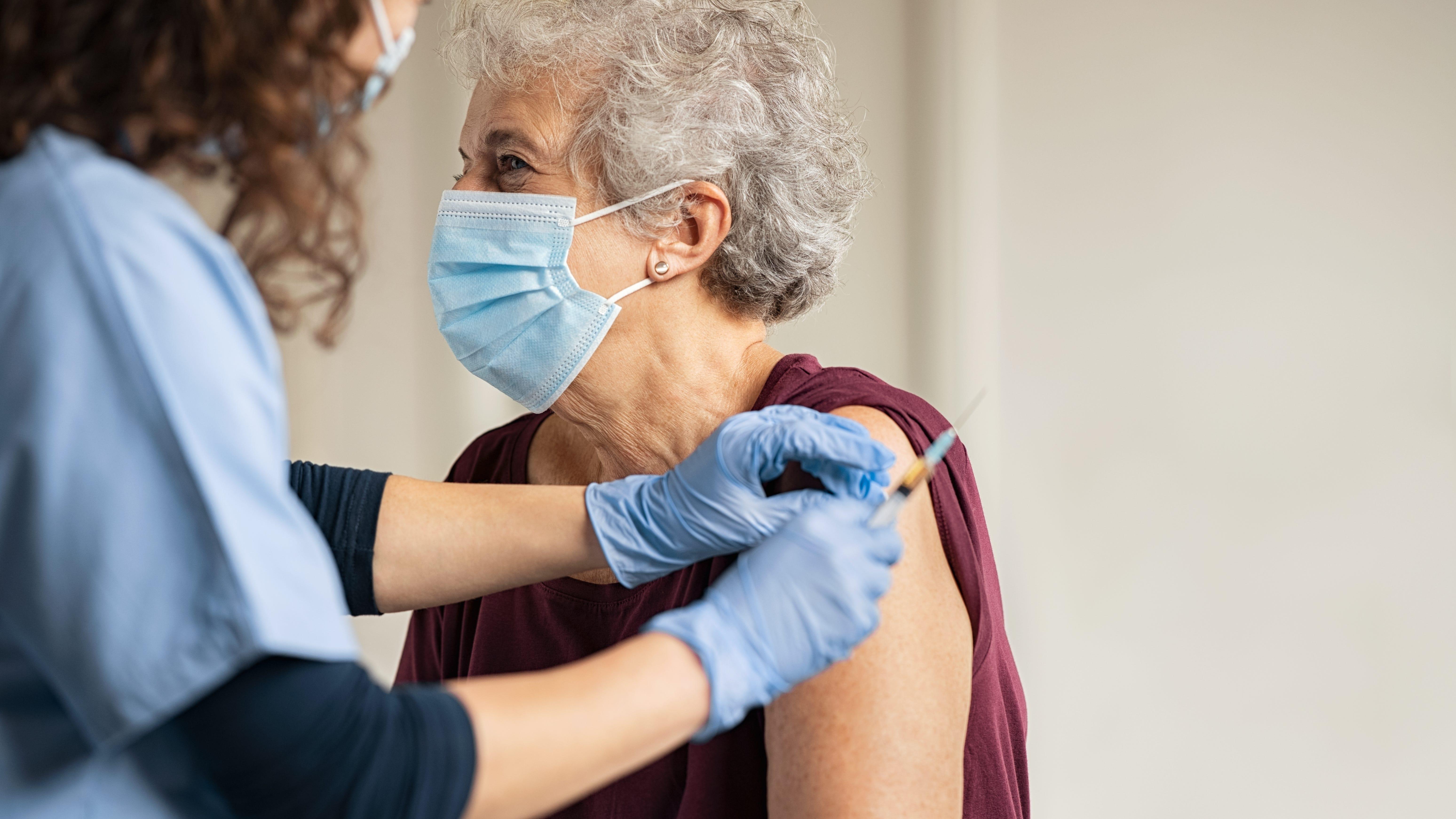 Infectious disease experts encourage flu vaccine to avoid concurrent disease, ICU overrun