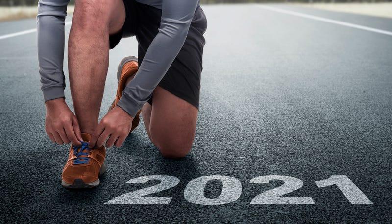 Runner man prepares to run on the 2021 line