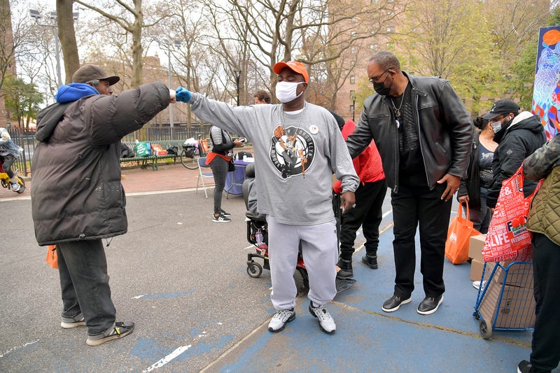 Tracy Morgan, Food Bank For New York City, and Council Member Robert E. Cornegy Jr. distribute turkeys to Brooklyn families in celebration of Thanksgiving on November 21, 2020 in Brooklyn, New York.
