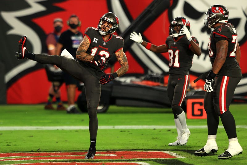Mike Evans celebrates after scoring a touchdown.