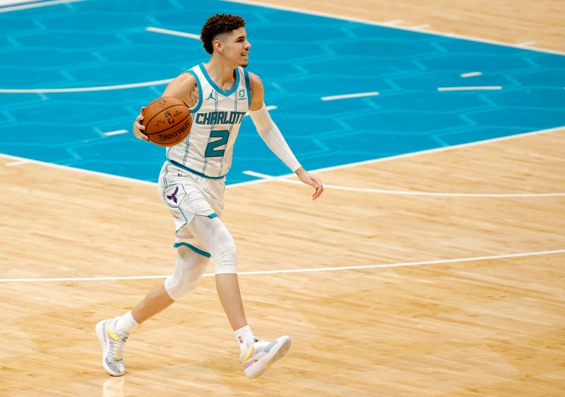 LaMelo Ball sets up the offense for the Hornets.