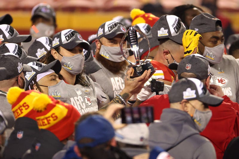 The Chiefs prepare to face Tom Brady and the Buccaneers