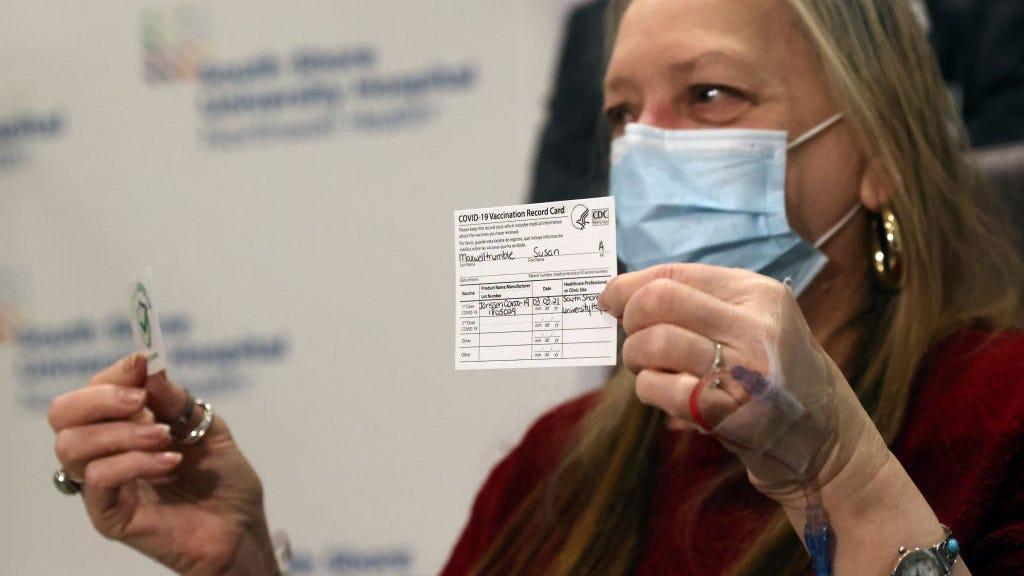 Lo que debes hacer si pierdes tu tarjeta de vacunación de COVID-19