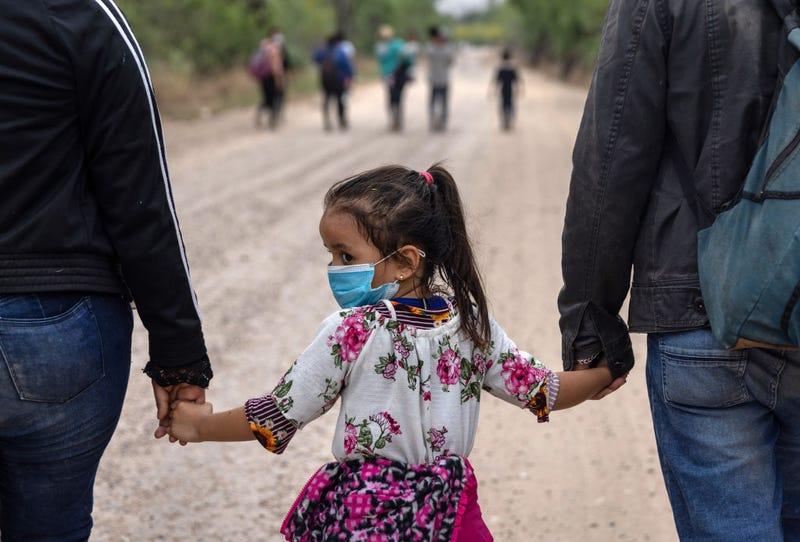 niña migrante