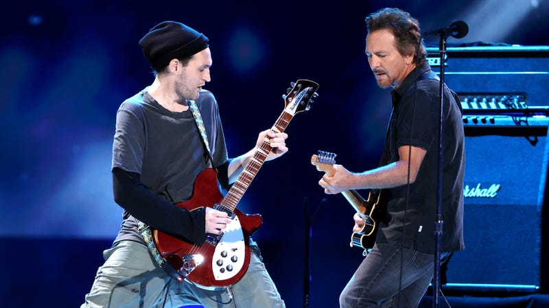 Josh Klinghoffer and Eddie Vedder