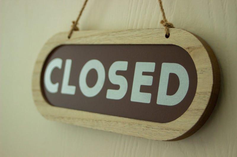 """Closed"" sign"
