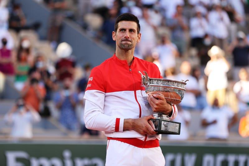 Novak Djokovic wins the 2021 French Open.