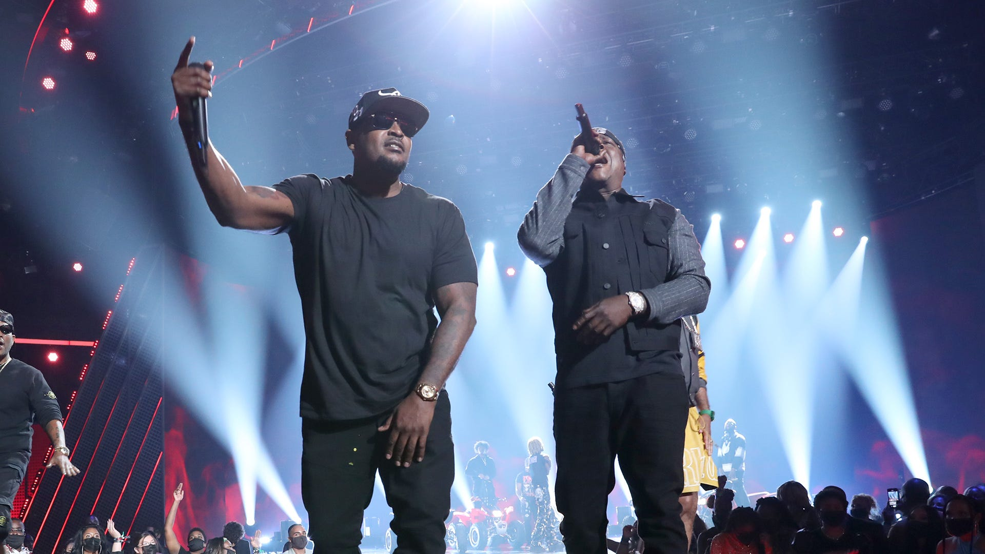 The Lox, Dipset face off in Verzuz battle, announce The Rap Superheroes tour coming this fall