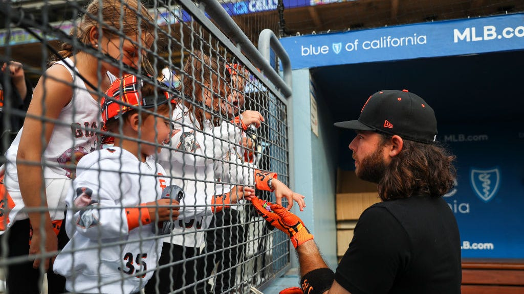 Brandon Crawford's wife, Jalynne, shares Instagram post showing how ruthless Dodgers crowd was