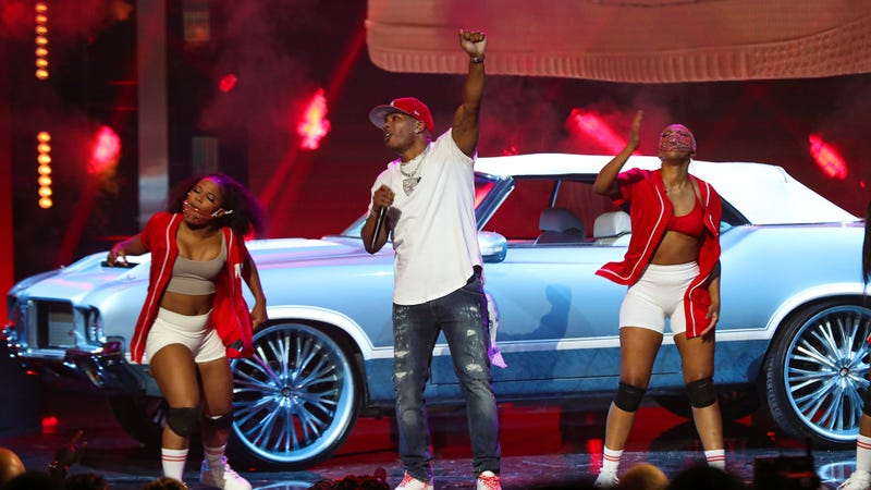 Nelly performs onstage during the 2021 BET Hip Hop Awards
