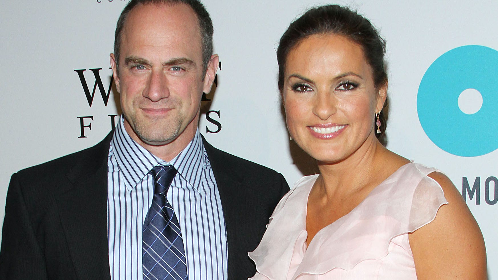 Will they kiss? Christopher Meloni and Mariska Hargitay tease fans with steamy pic on 'Law & Order' set