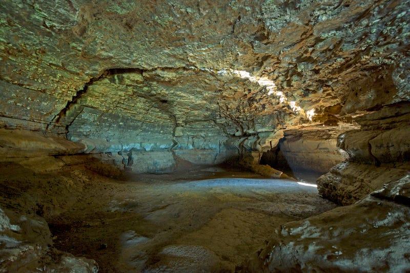Illinois Caverns