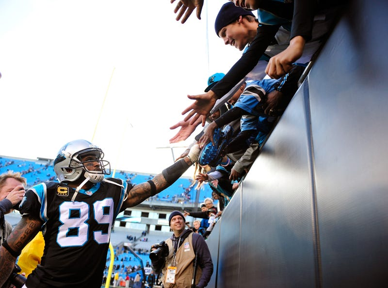 Panthers receiver Steve Smith acknowledges his fans