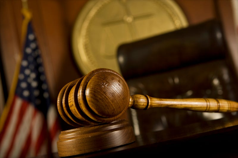 Ex-superintendent gets 33 months for Illinois embezzlements