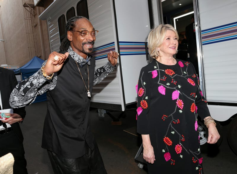 snoop dogg and martha stewart letting loose back stage