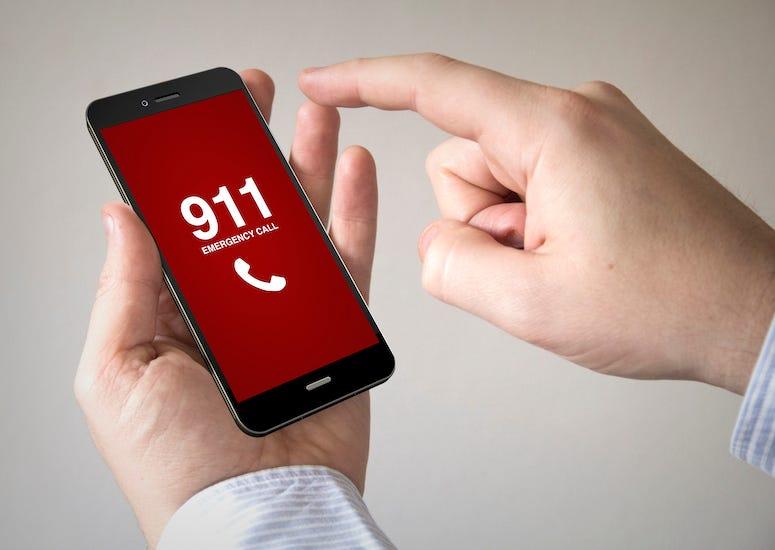 Man, Dialing 911, Smartphone