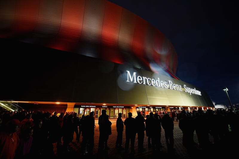 The outside of the Mercedes-Benz Superdome stadium