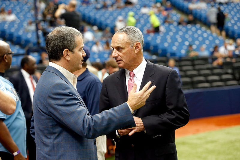 Stuart Sternberg chats with MLB commissioner Rob Manfred.