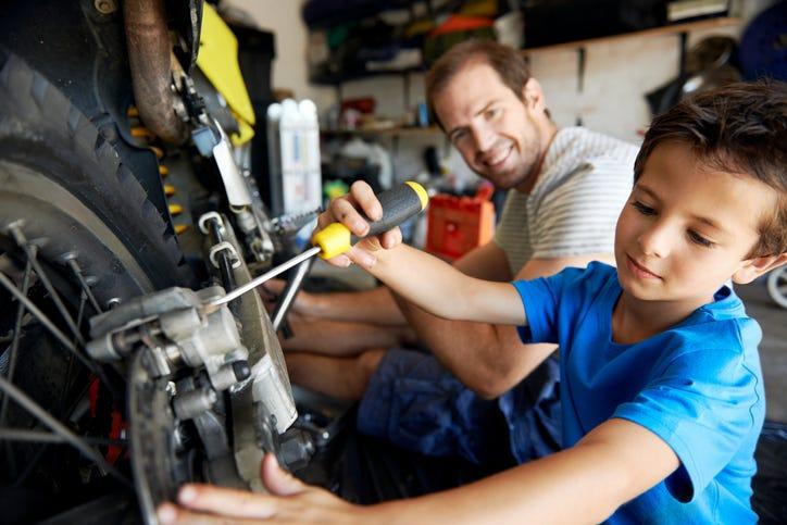 help dad in garage