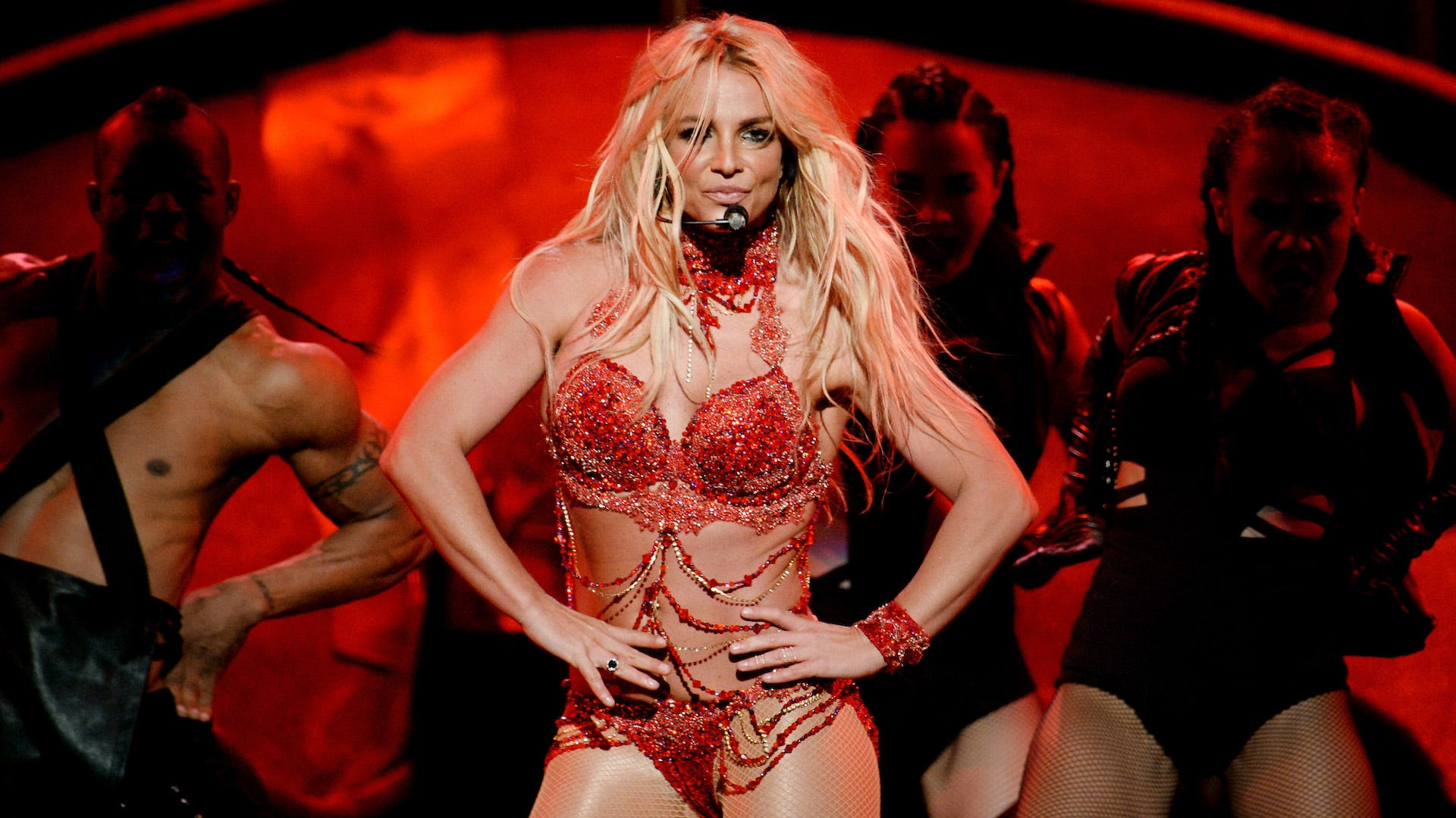 Britney Spears under investigation for striking employee: Report