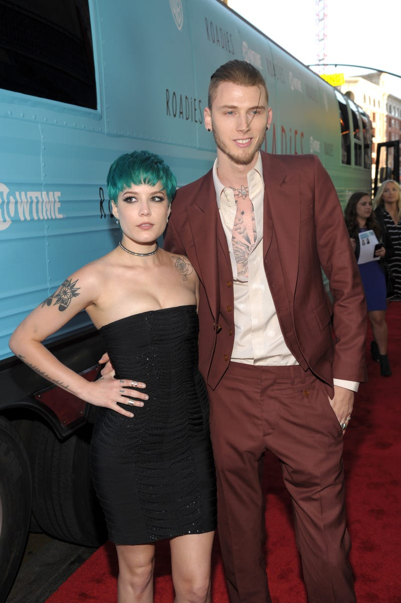 halsey and machine gun kelly at the premiere of showtime's roadies
