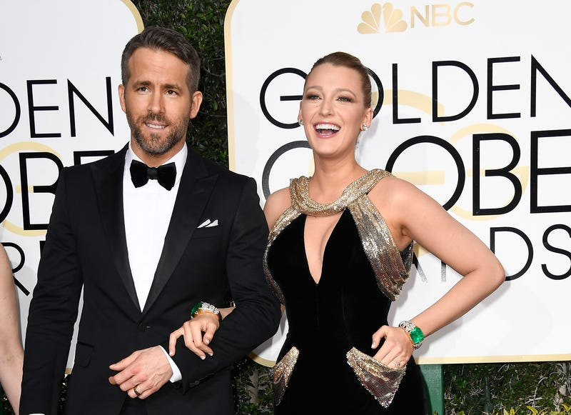 ryan reynolds and blake lively at 2017 golden globes