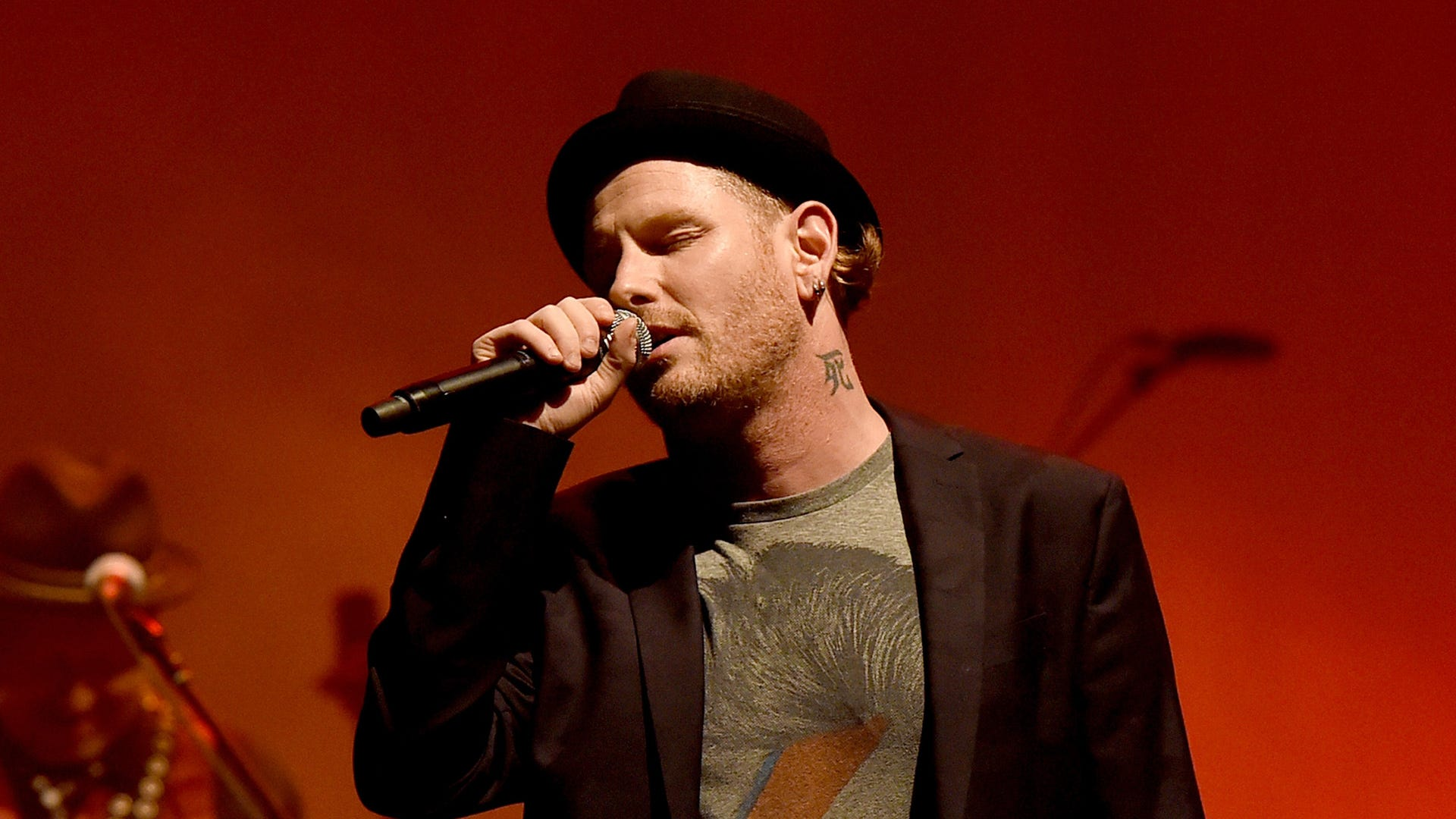 Corey Taylor 'very, very sick' with COVID-19 despite being vaccinated
