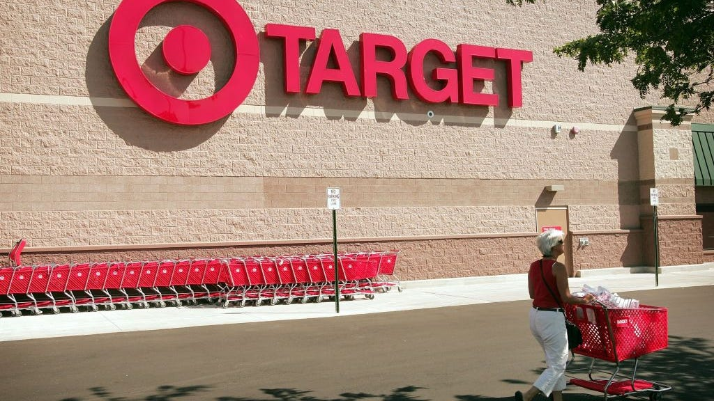 Target to launch mini Apple stores inside select locations