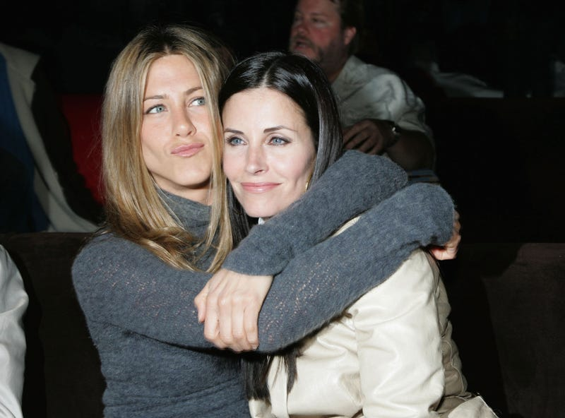jennifer aniston and courteney cox at tripper premiere in 2007